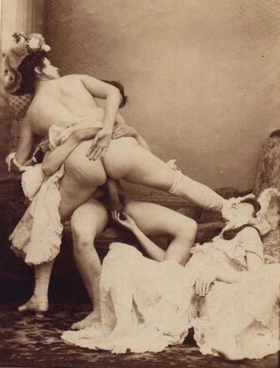 фотографии старые эротические