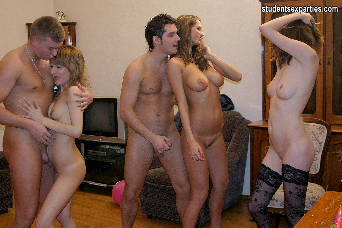 Развлечения студентов в общежитии эротика 23 фотография