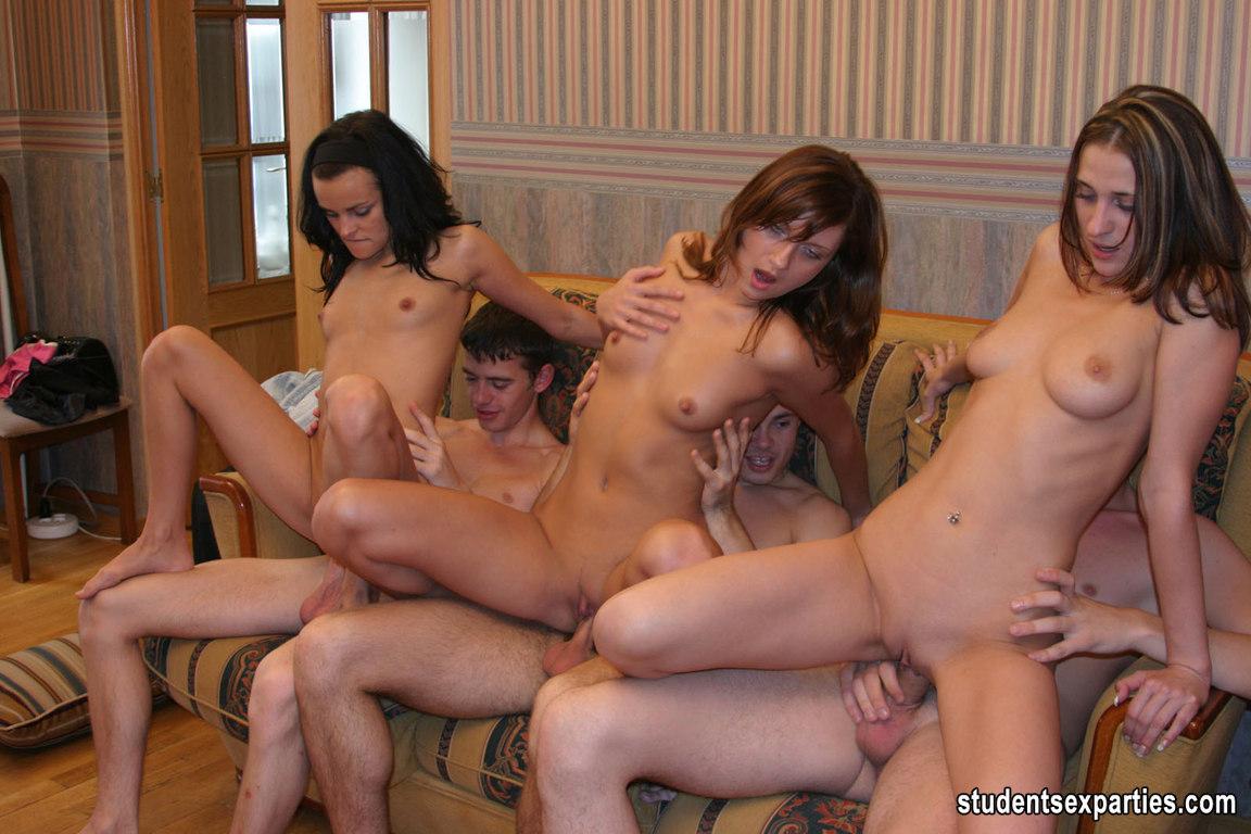 Секс студенты общаге 13 фотография